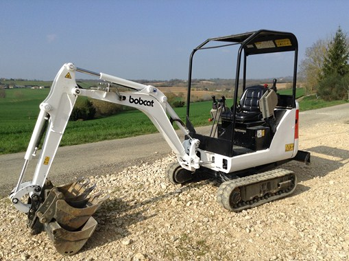 minipelle-bobcat-1.5t-voie-variable